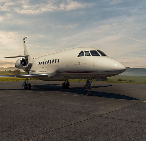 Dassault-Falcon-2000LX_Exterior_1-2048x1
