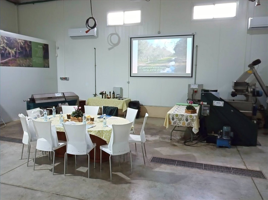 שולחן ישיבות לקראת ישיבת צוות