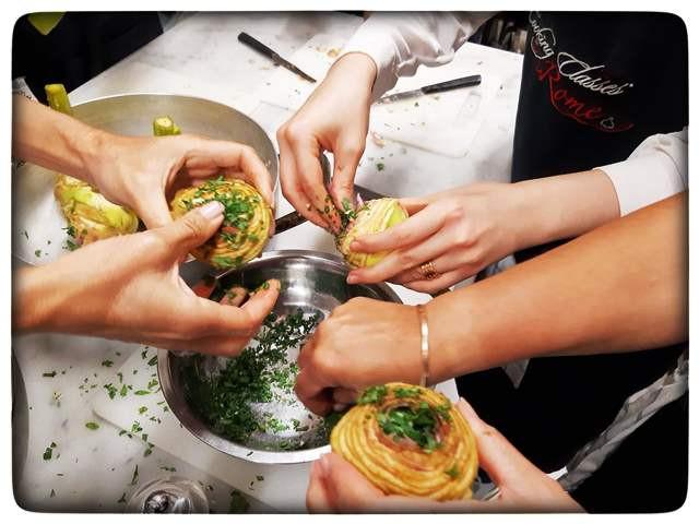 סדנת בישול ברומא ממלאים ארטישוקים