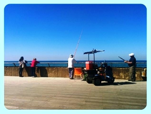 דייגים בנמל תל אביב