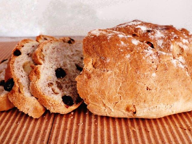 לחם עם חמוציות ואגוזי מלך