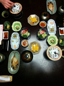 ארוחת בוקר ביפן_edited.jpg