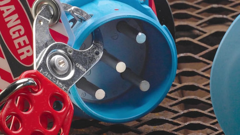 Switch-Rated Plugs   Receptacles from MELTRIC Corporation.mp4