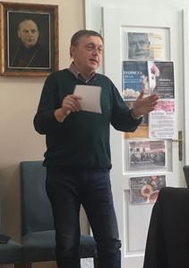 """Redaktor ČT Vlastimil Weiner při workshopu pro neziskovky """"Jak komunikovat s dárci i veřejností?"""""""