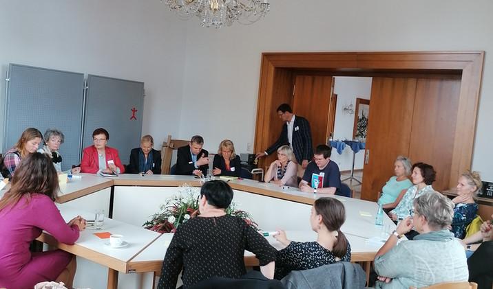 Konference Násilí na ženách
