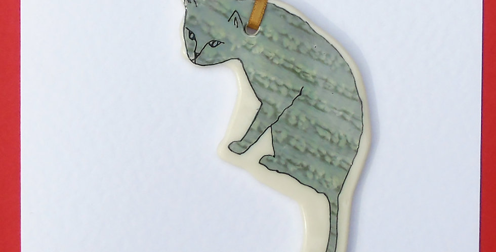 Light grey about-to-pounce cat card