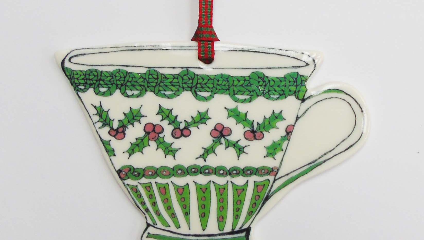 Christmas tea cup 4.JPG