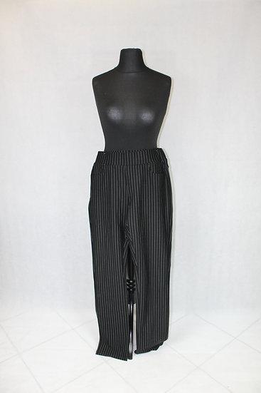 Pantalon à rayure verticales Noir et Blanches