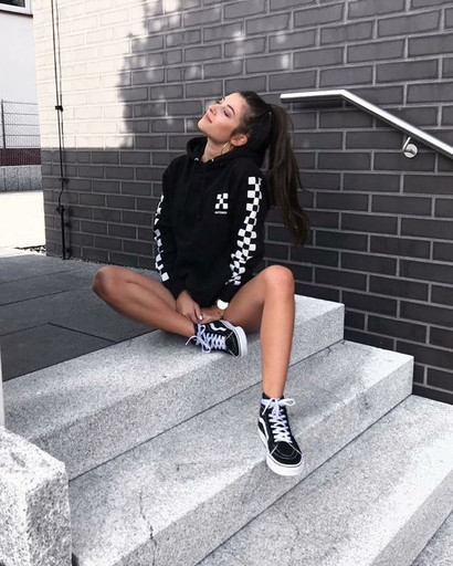 What to Wear with Black Vans