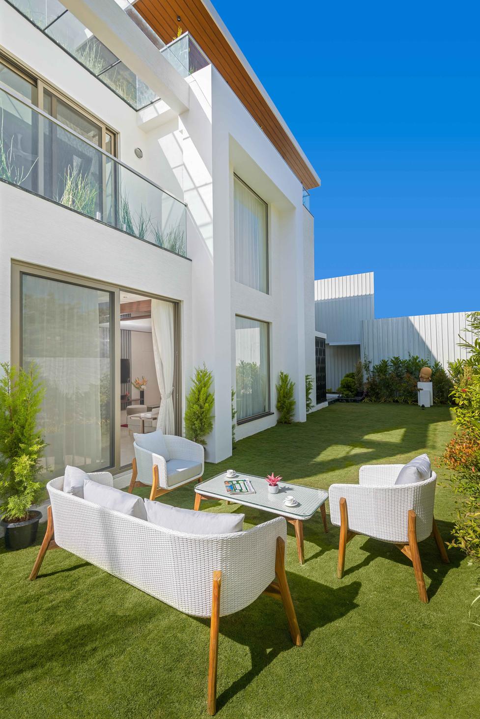 villa low resolution-13.jpg