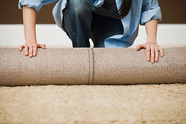 Balanceo de la mujer de la alfombra