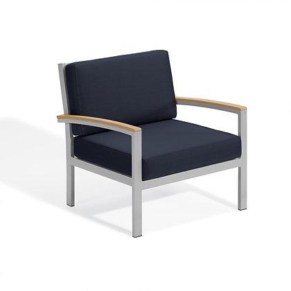 Travira Club Chair