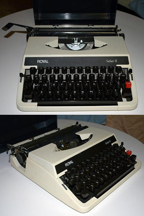 Royal Safari II Vintage Typewriter with Case