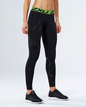 Athlete wearing 2XU Refresh Recovery Tights
