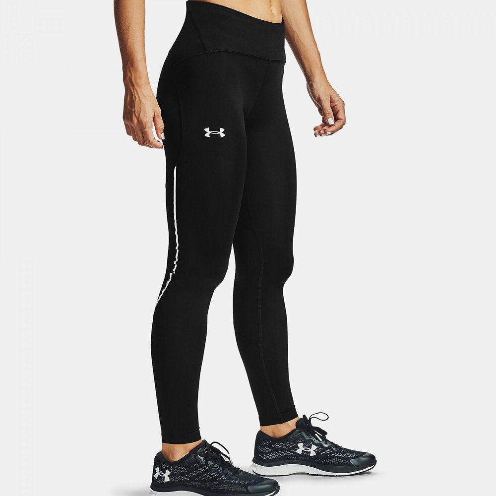 Athlete wearing Under Armour Fly Fast 2.0 ColdGear tights.