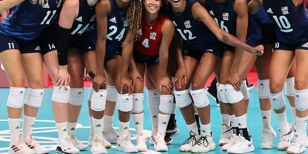 US Women's Volleyball Team wearing Adidas Volleyball Knee Pads.