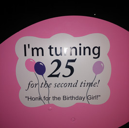 Birthday flamingos -sign.jpg