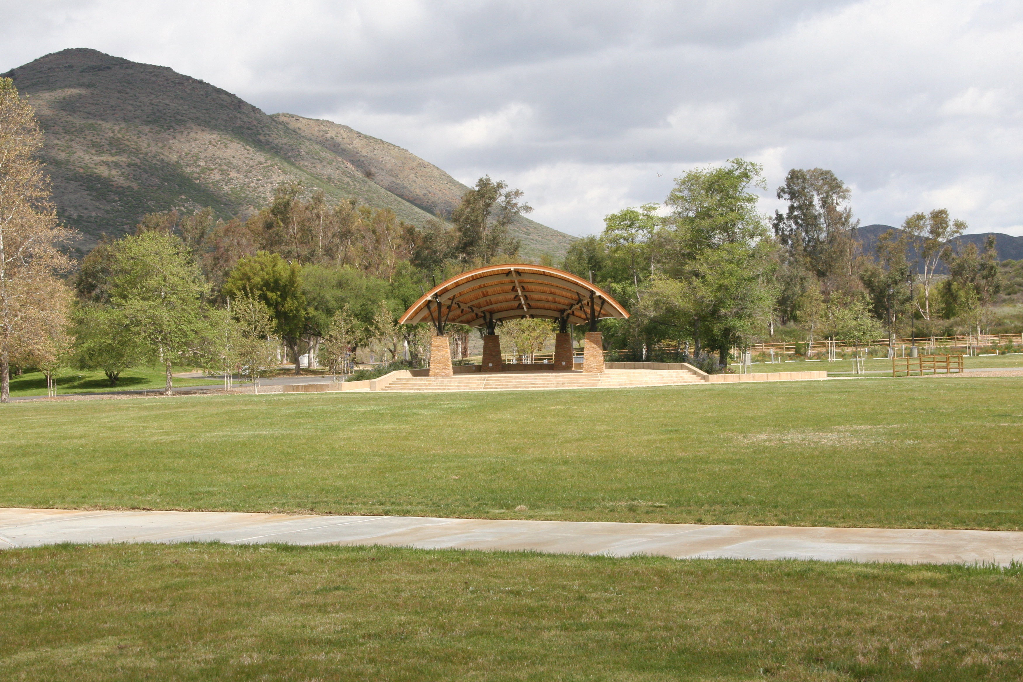 Large shelter at Lake Skinner