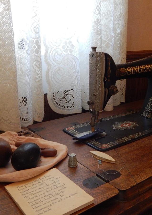 Vintage sewing machine at Gilman