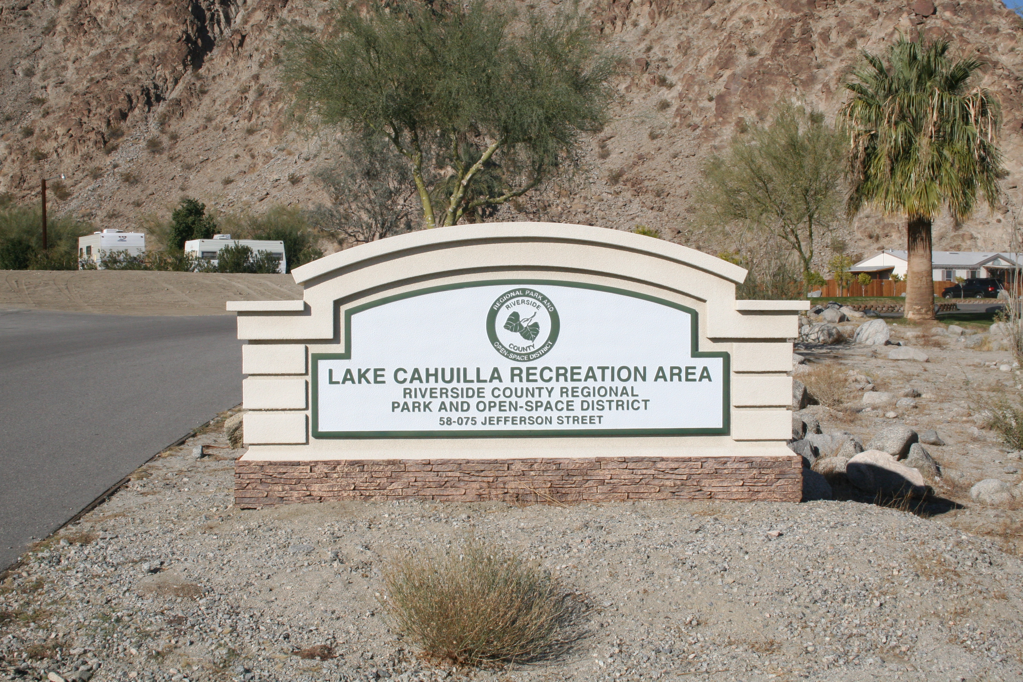 Welcome sign at Lake Cahuilla