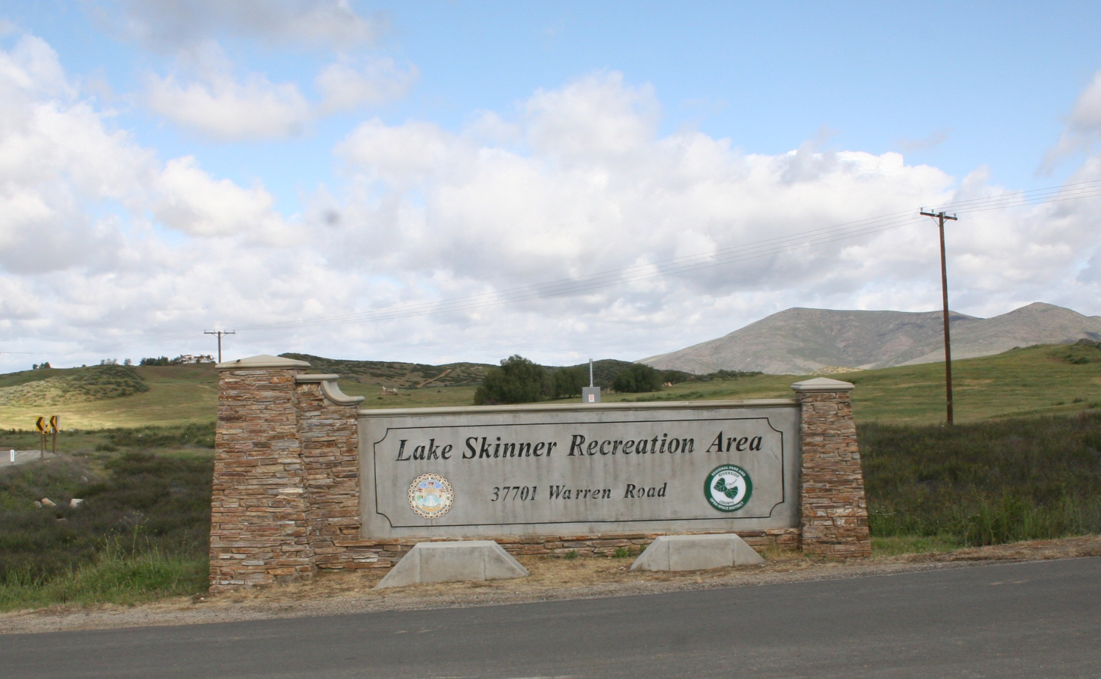 Welcome sign at Lake Skinner