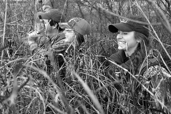 Women dove hunting