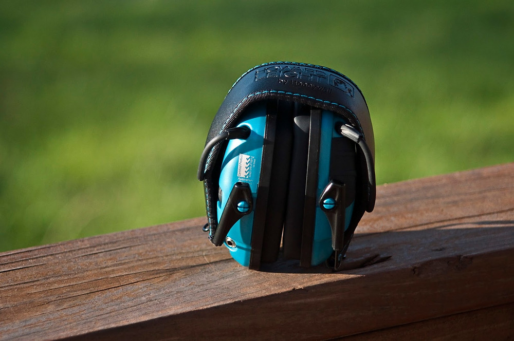 Earmuffs can be folded for more convenient storage and travel.