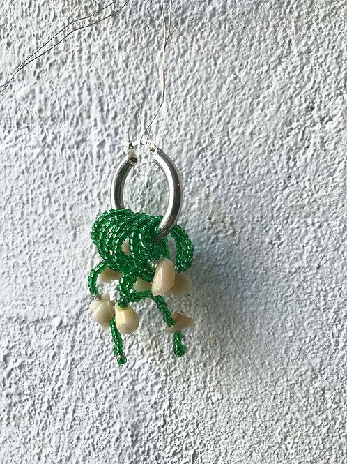 single teeth & beads hoop 'green'