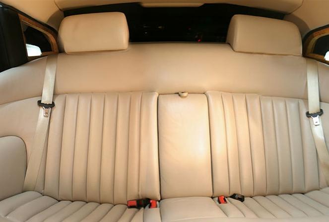 Rolls-Royce Phantom V Limousine 5.PNG