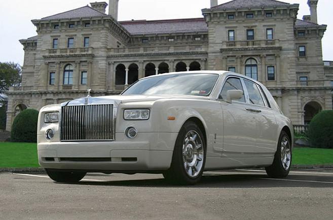 Rolls-Royce Phantom V Limousine.PNG