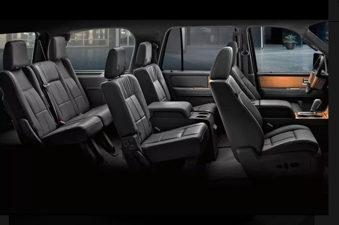 Lincoln MKT Town Car 3.PNG