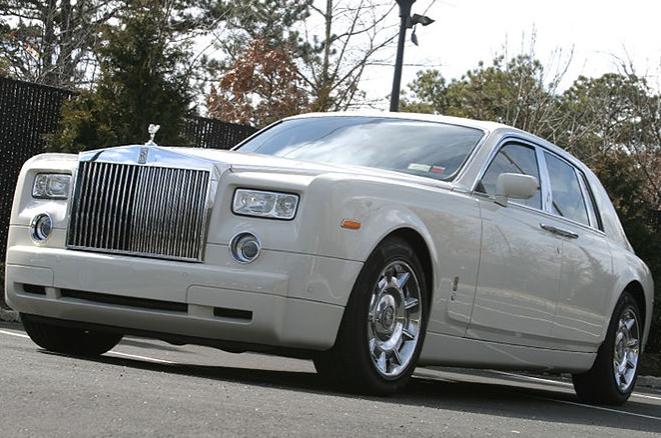 Rolls-Royce Phantom V Limousine 7.PNG