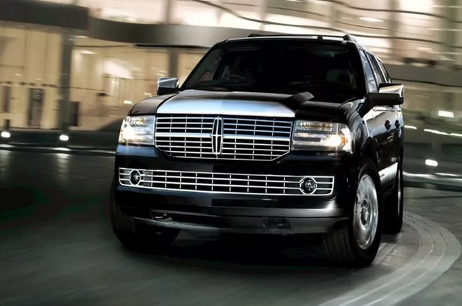 Lincoln MKT Town Car.PNG