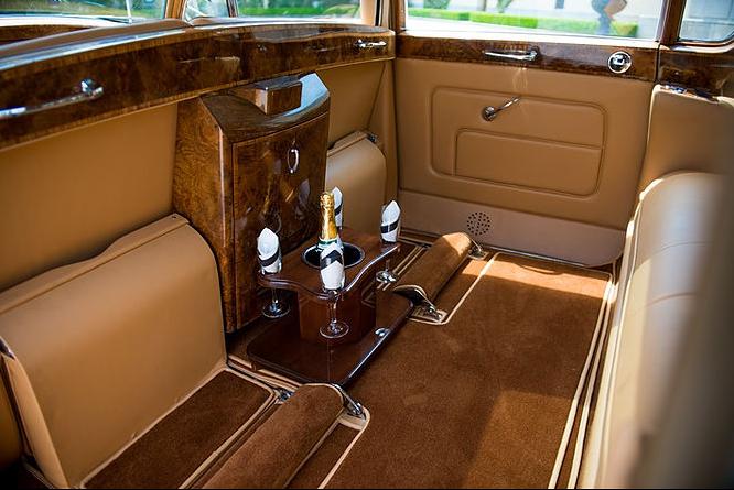 Phantom V, Rolls-Royce 5.PNG