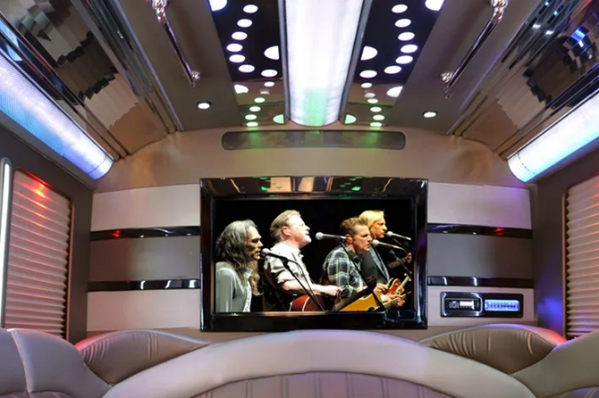 22-passenger party-limo bus 2.PNG