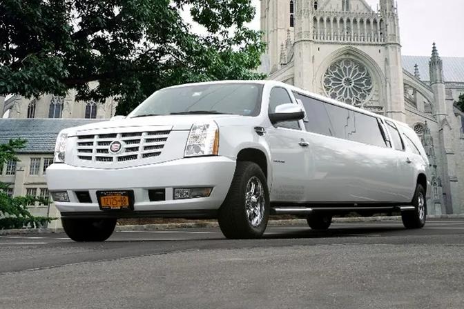Cadillac Escalade Limo.PNG