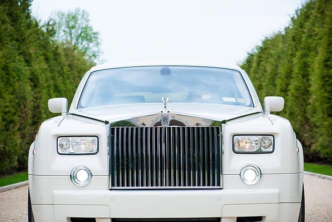 Rolls-Royce Phantom V Limousine 3.PNG