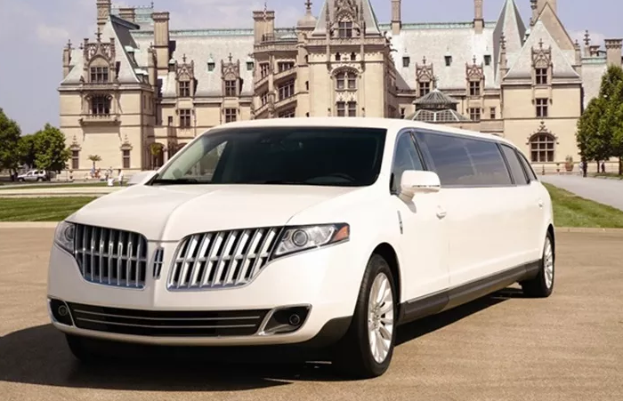 stretch Lincoln MKT.PNG