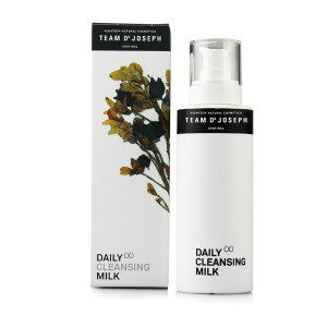 TEAM DR JOSEPH Daily Cleansing Milk 200ml