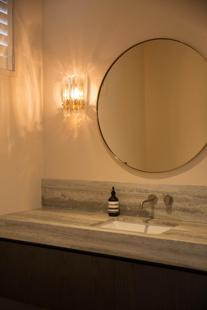 Paratai bathroom