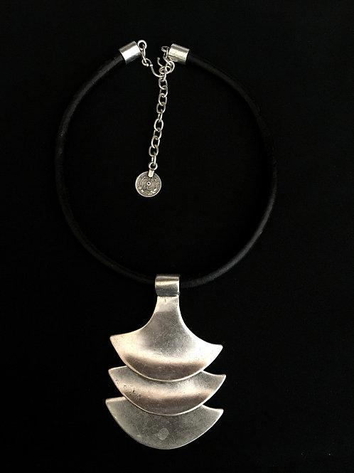 Medallón Cuero 1326