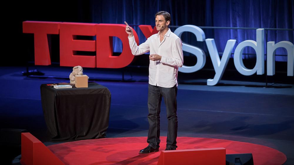 Harald Haas explaining Li-Fi