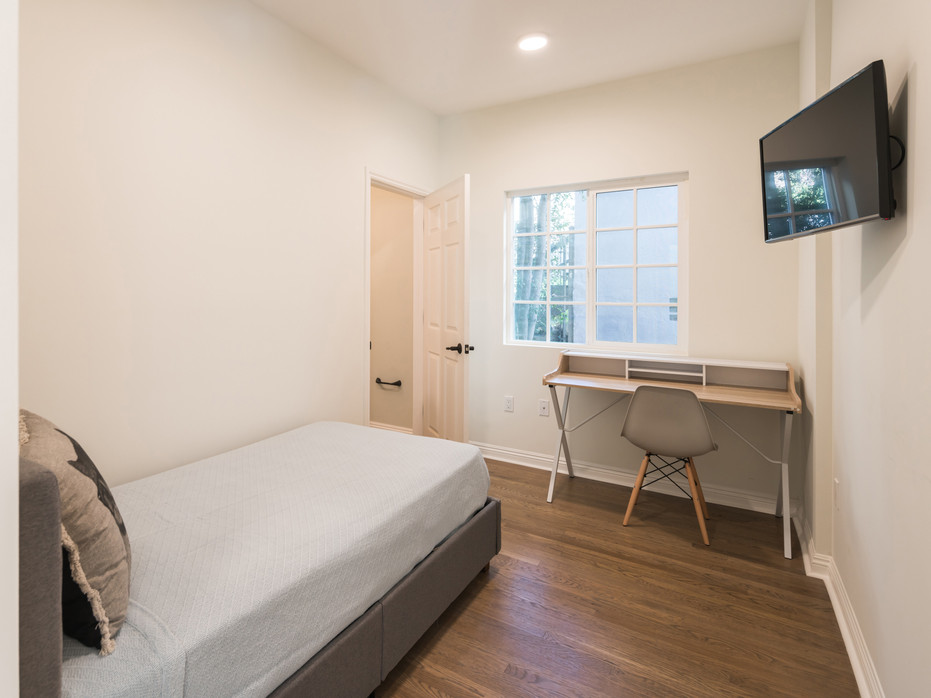 PRIVATE ROOM - $1,975