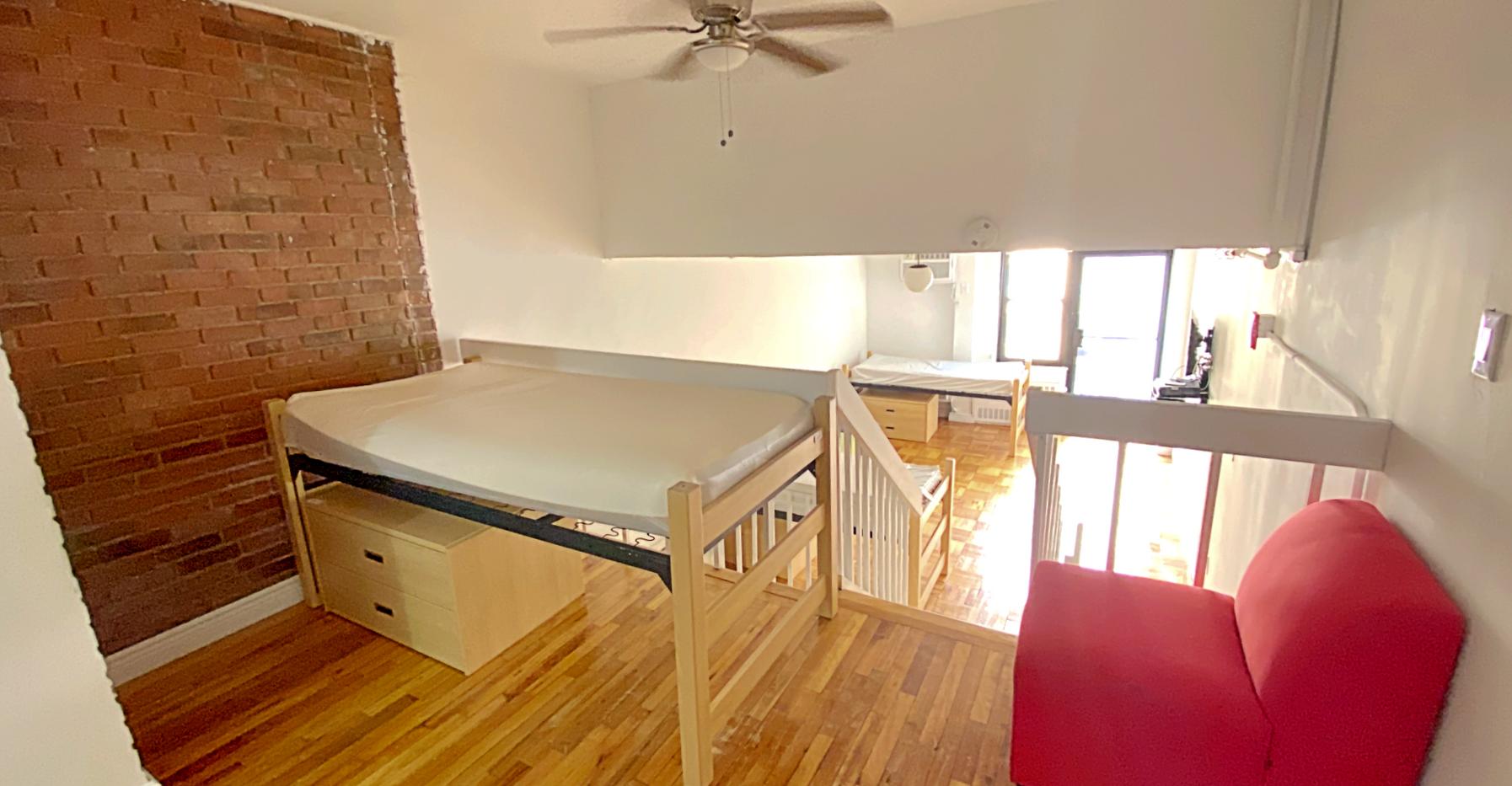New York student housing room 5