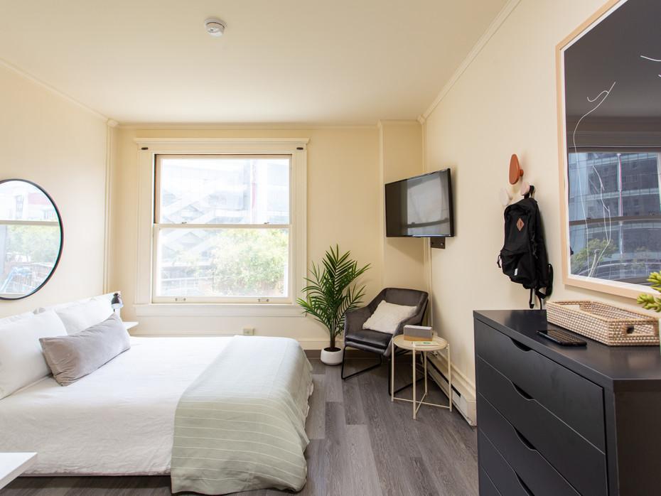 PRIVATE ROOM - $1,350