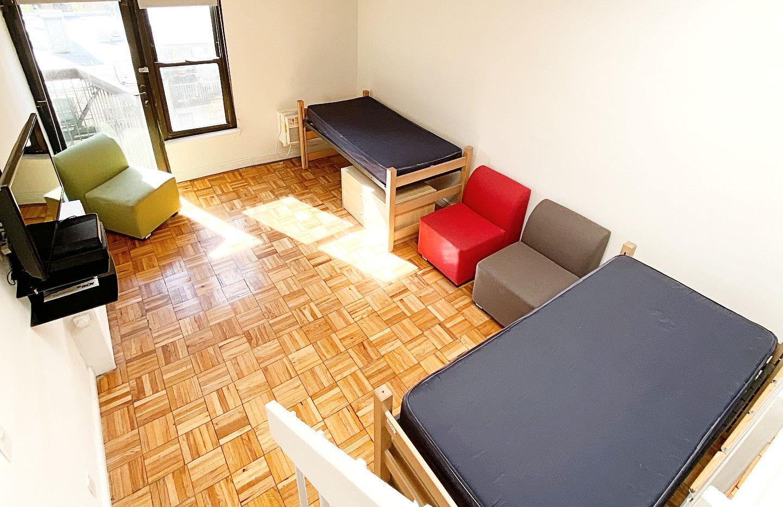 New York student housing room 6