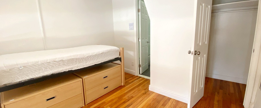 New York student housing room 2