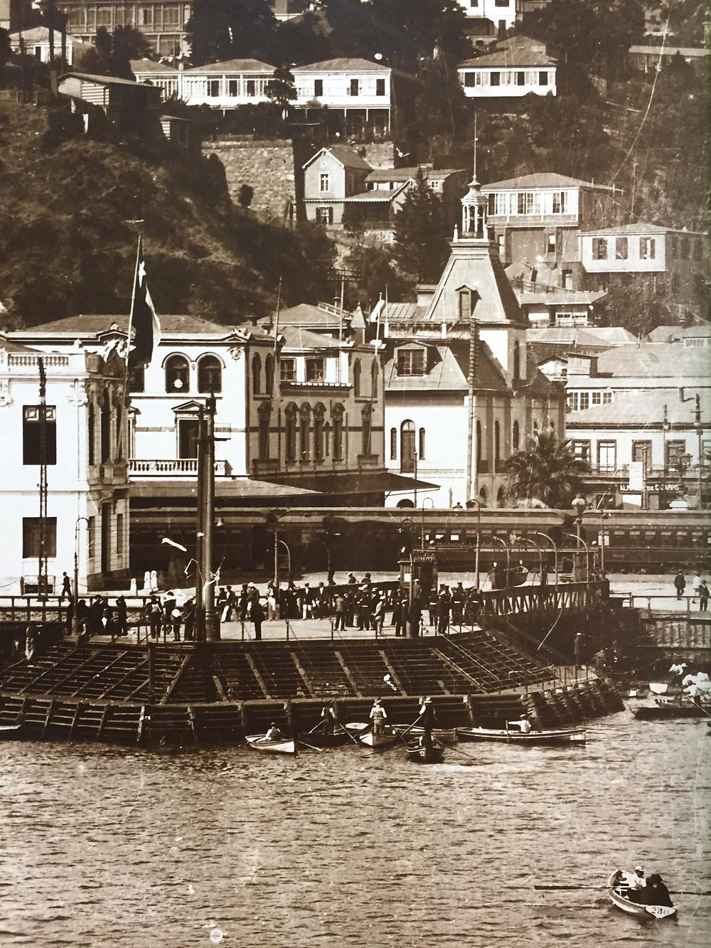 Antiguo Muelle Prat, el primer muelle de pasajeros fiscal de Chile.