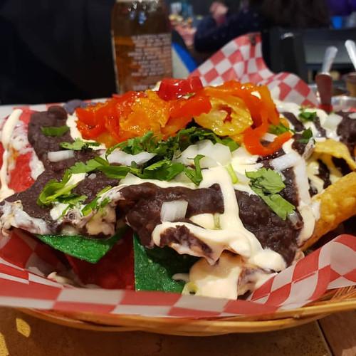 Nachos mozzarella & frijoles