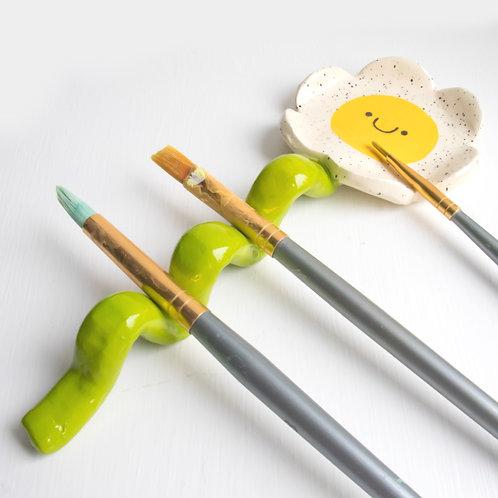 Wavy Daisy - Paintbrush / Pen Holder